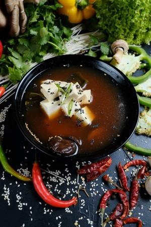 Мисо суп с семгой и тофу