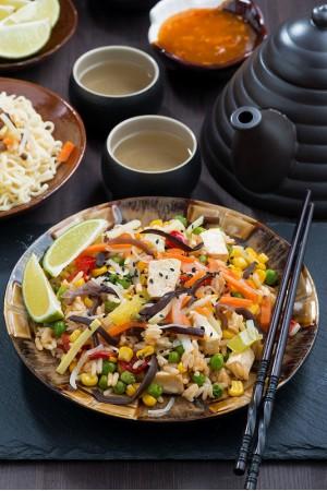 Жаренный рис с двойной индейкой и с шанхайским острым соусом